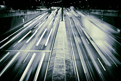 Traffic freeway congested busy motorway rush hour - p609m1534425 by WRIGHT