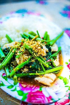 Asiatisches Gericht - p680m1511694 von Stella Mai