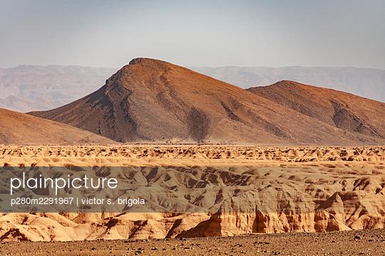 Desert - p280m2291967 by victor s. brigola