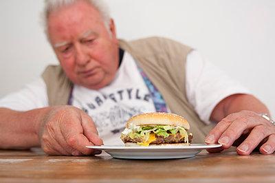 Hamburger - p427m972726 von Ralf Mohr