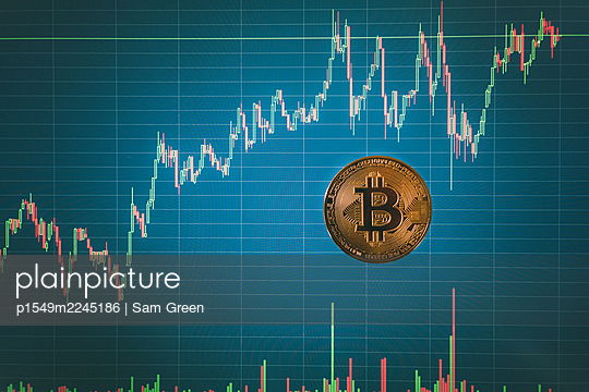 Bitcoin, chart, development - p1549m2245186 by Sam Green