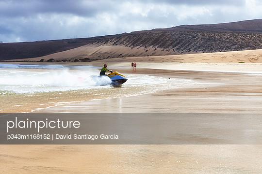 Jetski. Sotovento Beach, Jandia Peninsula, Fuerteventura, Canary Islands, Spain, Atlantic - p343m1168152 by David Santiago Garcia