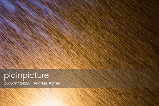 Schneefall im Dunkeln - p335m1124226 von Andreas Körner