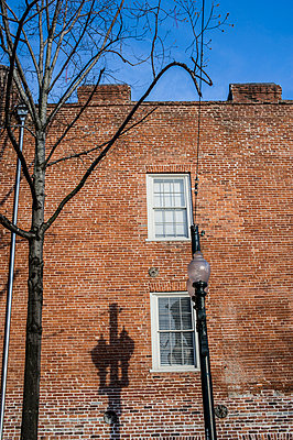 Redbrick building - p1047m908479 by Sally Mundy