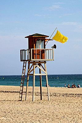 Lifeguard tower - p7050016 by Florian Tröscher