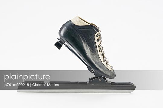 Schlittschuh für Eisschnelllauf - p741m929218 von Christof Mattes