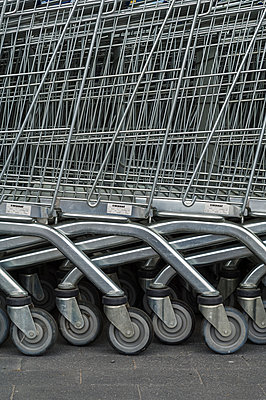 Stack Of Shopping Trolley   - p847m888371 by Bildhuset