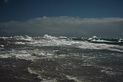 Troubled sea - p1342m1220937 by Sebastian Burgold