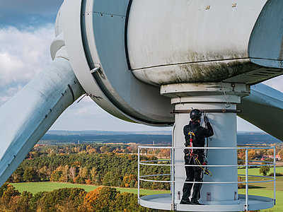 Germany, Inspection of a wind turbine - p1549m2222985 by Sam Green