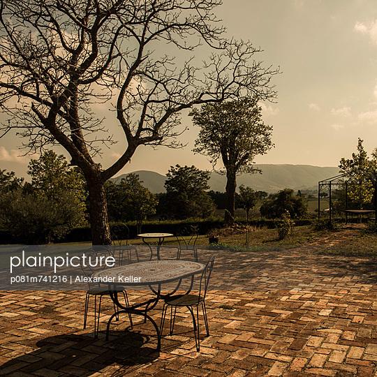 Terrasse eines Ferienhauses - p081m741216 von Alexander Keller