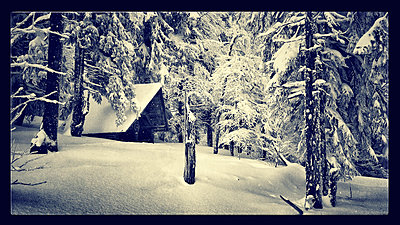 Idylle im Winter - p586m781015 von KNSY Bande