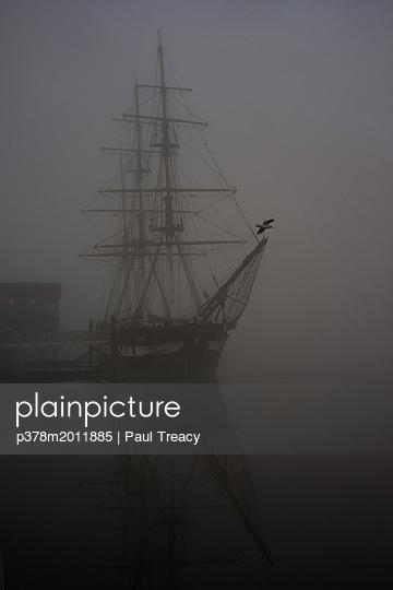 p378m2011885 von Paul Treacy