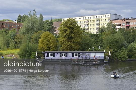 Hausboot - p096m2015774 von Helga Lorbeer