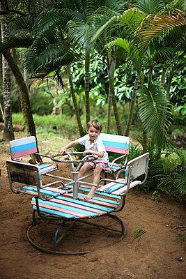 Kinderkarussell - p8320039 von Philippe Charlot