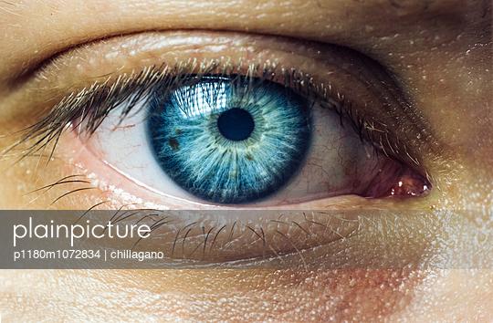 Blaue Augen (Makroaufnahme) - p1180m1072834 von chillagano