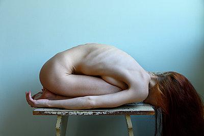 Nackte rothaarige Frau - p427m2210586 von Ralf Mohr
