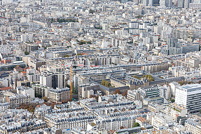 Paris aerial view - p524m2038530 by PM