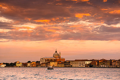 Italy, Venice, view to Il Redentore - p300m975068f by Andreas Poschmann