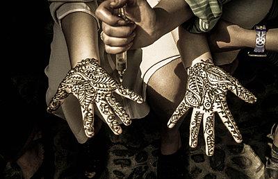 Henna-Hände - p375m893322 von whatapicture