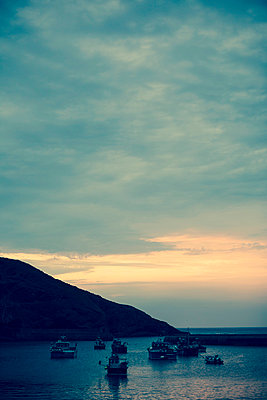 Sunset in Port Isaac - p432m854530 by mia takahara