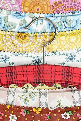 Kleiderbügel - p1650308 von Andrea Schoenrock