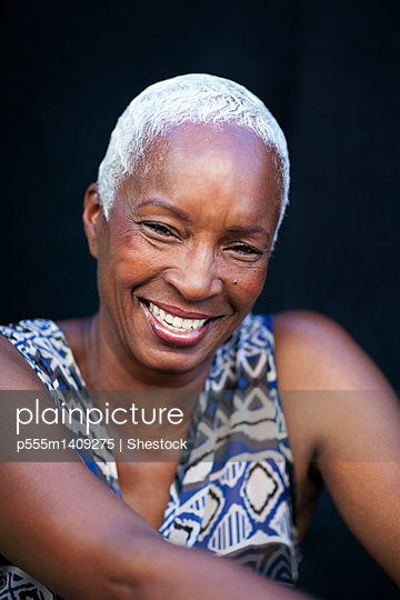 Close up of smiling woman - p555m1409275 by Shestock
