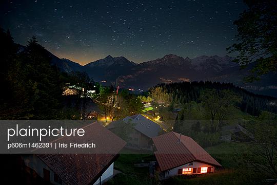 Nachts in den Bergen - p606m1462391 von Iris Friedrich