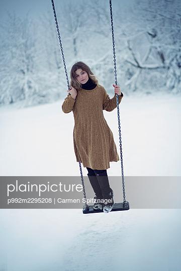 p992m2295208 by Carmen Spitznagel