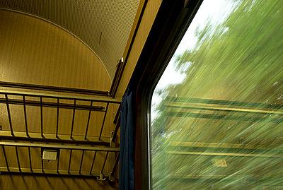 Bahnstrecke Bremen - Hamburg - p240m1225765 von Valerie Wagner
