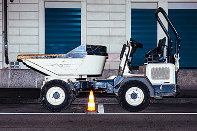 Construction vehicle - p1177m2076553 by Philip Frowein