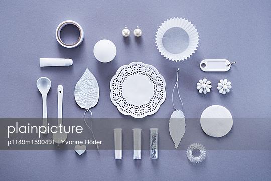 Sammlung weißer Objekte - p1149m1590491 von Yvonne Röder
