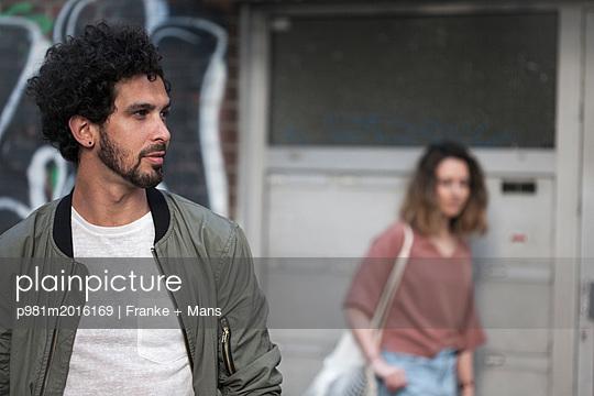 p981m2016169 by Franke + Mans