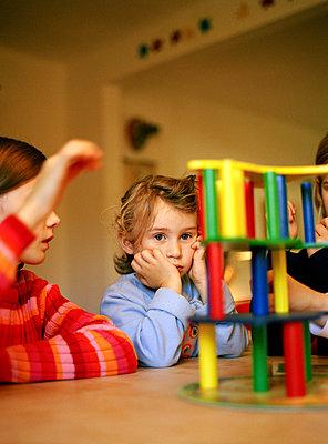 Spielende Kinder - p1197m1041199 von Stefan Bungert