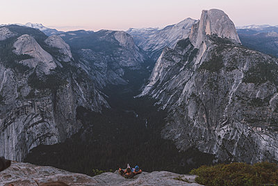 Yosemite - p1507m2028361 by Emma Grann
