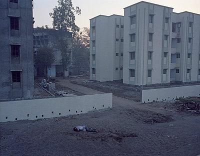 Obdachloser am Morgen - p9150049 von Michel Monteaux