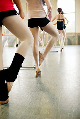 Ballet class - p9245545f by Image Source