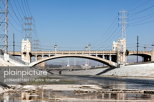 Low water level seen at the LA River during a Californian drought - p1094m971501 by Patrick Strattner