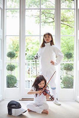 Girls with violin and fencing gear - p42916572f by Axel Bernstorff