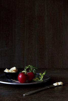 Fresh radishes - p9380030 by Christina Holmes