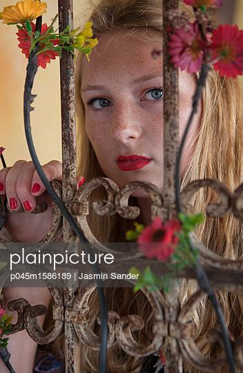p045m1586189 by Jasmin Sander