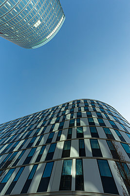 Austria, Vienna, modern architecture, OMV headquarters - p300m1449842 by Christina Falkenberg