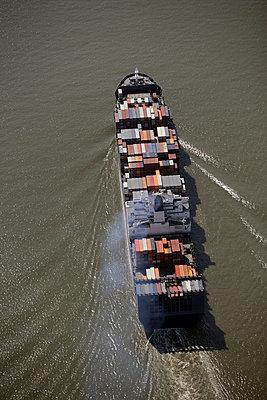 Containerschiff - p1016m741954 von Jochen Knobloch