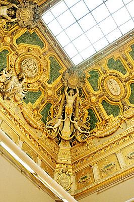 Louvre  - p864m1132574 by Michiru Nakayama