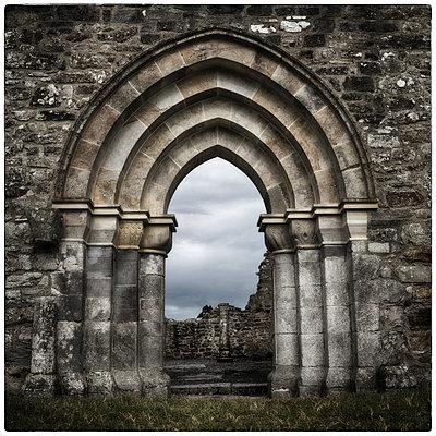 Four Arches, Shannonbridge - p1154m1074097 by Tom Hogan