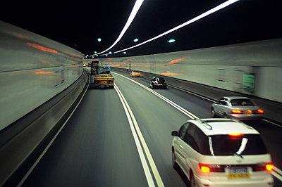 China, Hongkong, Tunnel - p2685203 von Christof Mattes