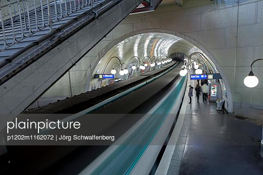Metro - Paris - p1202m1162072 von Jörg Schwalfenberg