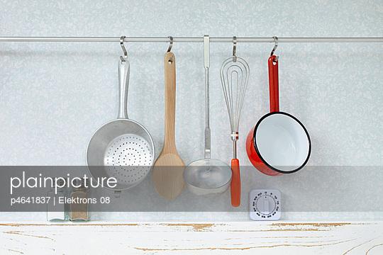Küchenutensilien - p4641837 von Elektrons 08