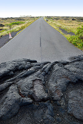USA, Hawaii, Big Island, Volcanoes National Park, congealed lava on the lane of Chain of Craters Road - p300m998529f by Biederbick&Rumpf