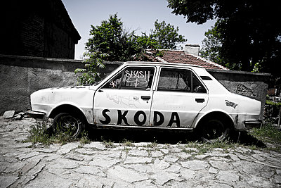 Skoda - p911m945404 by Guillaume Krebs