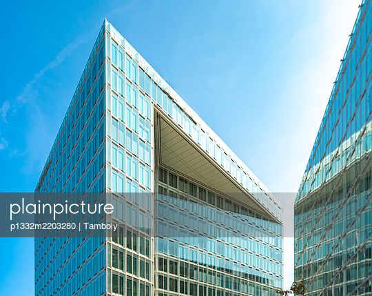 Modern glass facades, office buildings, Spiegel publishing house - p1332m2203280 by Tamboly